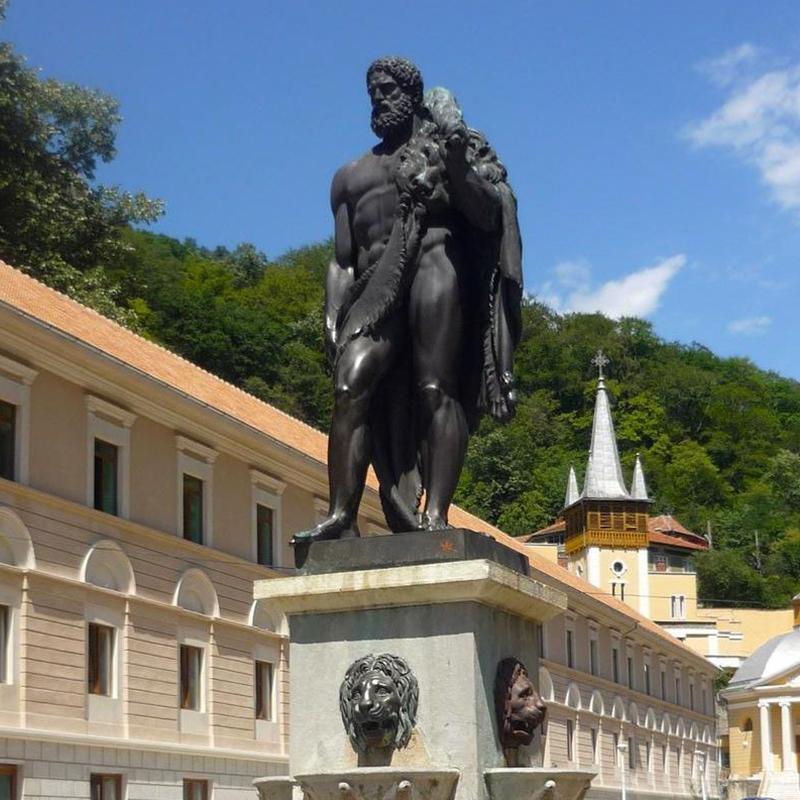 statuia lui hercule hotel ferdinand baile herculane alsys travel