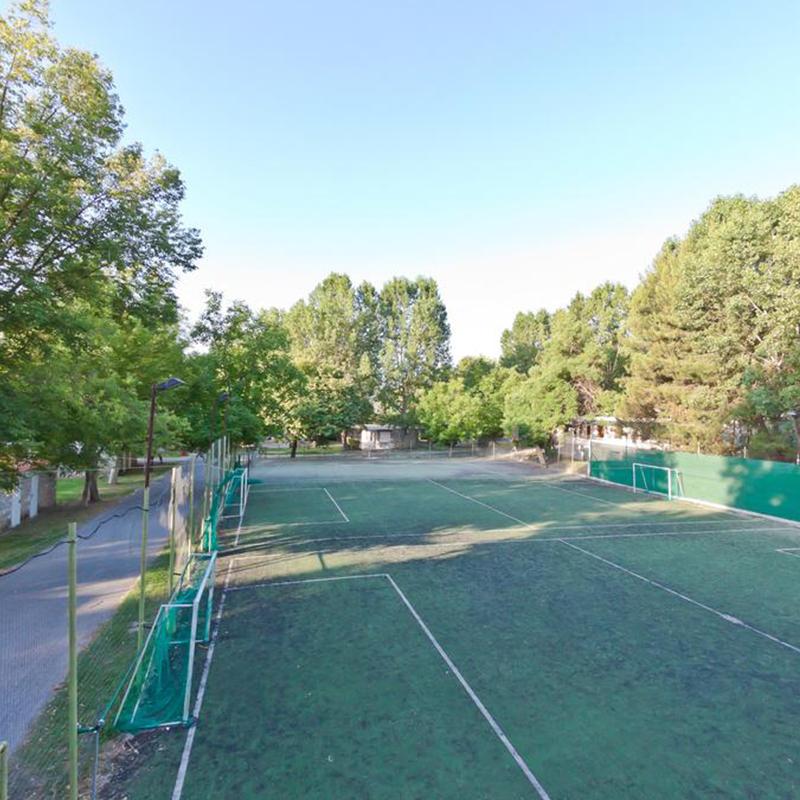 teren tenis tabara din litochoro grecia